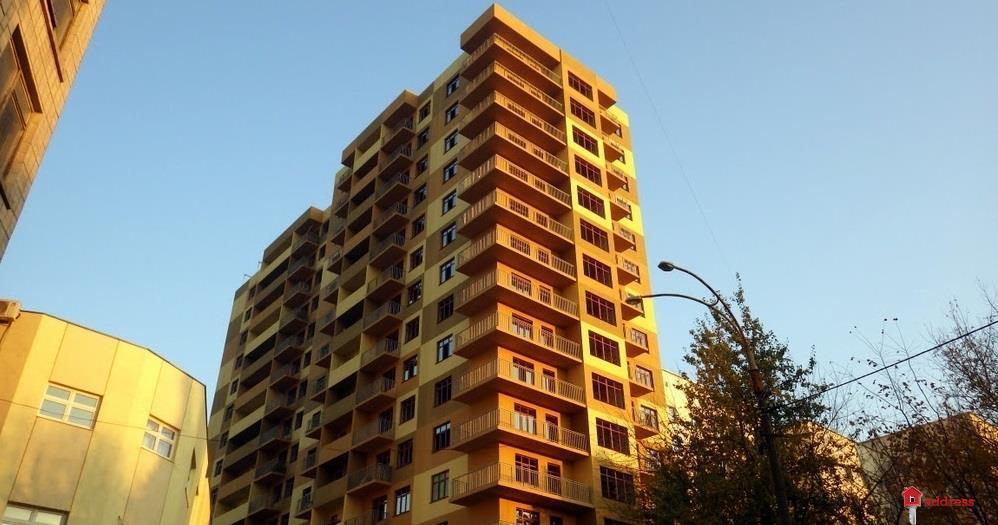 Дом по ул. Е.Коновальца, 36Е: Ноябрь 2015