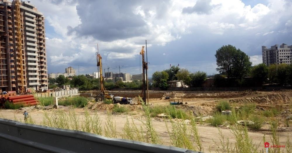 Жилой квартал Новопечерские Липки: Август 2017