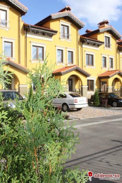 Коттеджный комплекс  Итальянский квартал: Август 2014