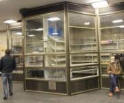 На станциях метро «Почтовая площадь» и «Осокорки» демонтировали МАФы