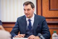 Премьер рассказал, сколько в Украине нелегальных АЗС