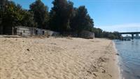 Предприятие незаконно пользуется участком и недвижимостью на пляже «Золотой»