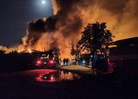 Крупный пожар под Харьковом: горело деревообрабатывающее предприятие