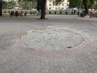 На Набережной демонтировали Памятный знак первой маевке