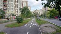 На бульваре Леонида Быкова обустроили двустороннюю велодорожку